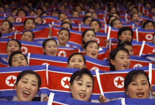 Команда Чирлидов из Северной Кореи.