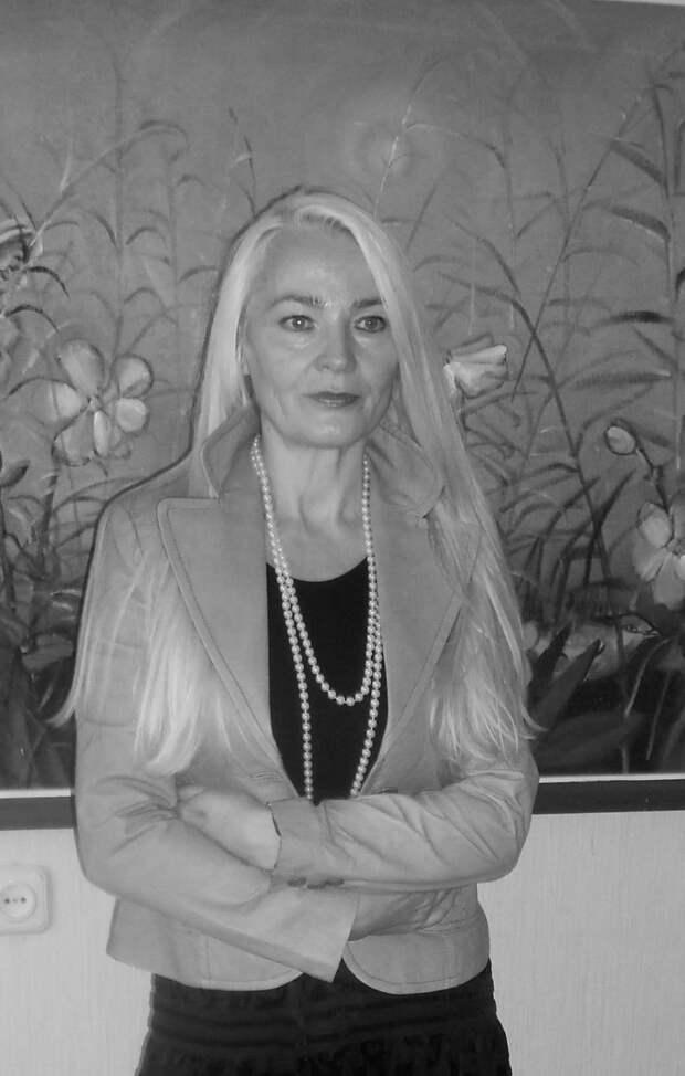 Как выглядит сейчас и чем занимается красавица Иляна Косынзяна из «Сказания о храбром витязе Фэт-Фрумосе»