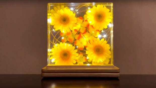 Красивая светодиодная лампа с цветами своими руками