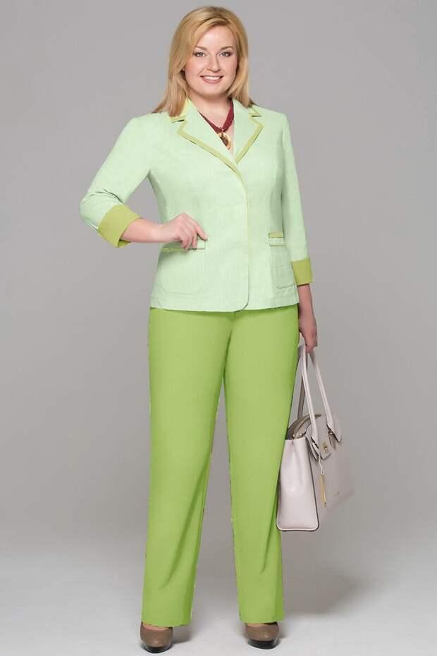 Цвета одежды, которых нужно остерегаться женщинам после 45. Почему и на что их заменить