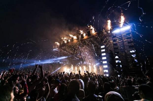 Coldplay в своем новом эко-турне будут получать электроэнергию от прыгающих фанатов