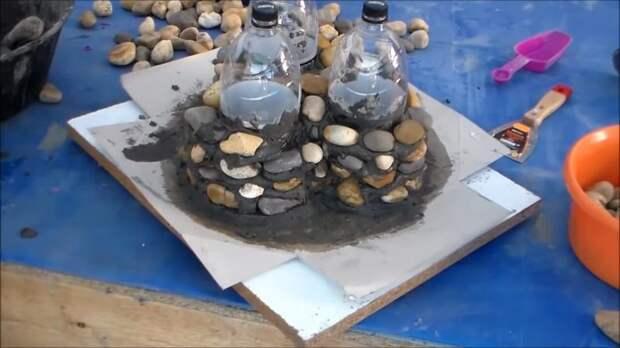 Только камни, выложенные на цемент, а результат поразит своей красотой