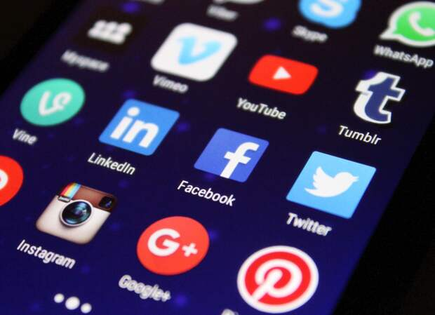 Соцсети обогнали СМИ