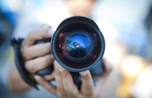 В Севастополе мужчина фотографировал голых детей