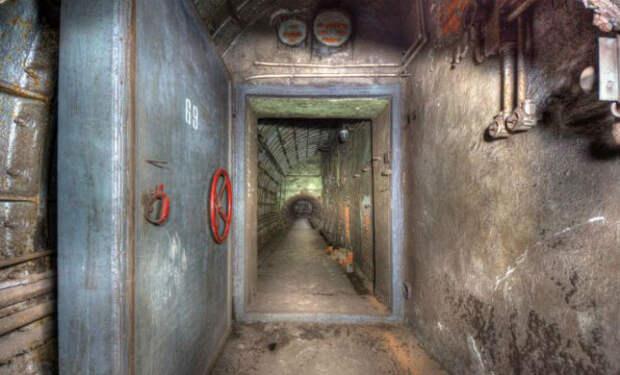 Скрытые убежища СССР: поисковик нашел вход в секретные подземелья