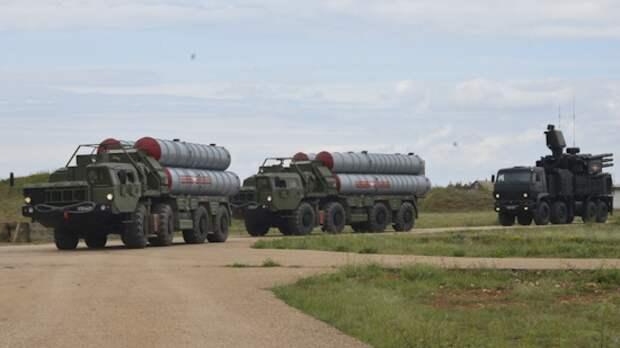 В Новосибирске прошла репетиция парада Победы с участием колонны военной техники