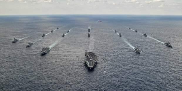 Шесть боевых кораблей России выгнали суда ВМС США и Японии на их же учениях