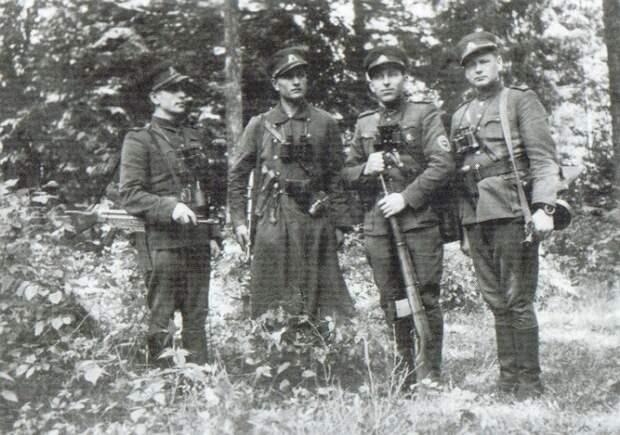 «Лесные братья»: что творили прибалтийские бандеровцы после войны