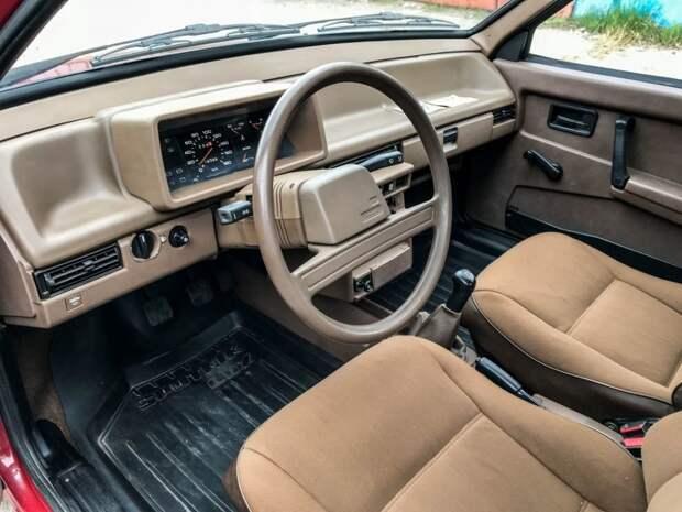Коричневый салон переносит вас прямиком в 80-е годы авто, автомобили, ваз, ваз 2109, капсула времени, олдтаймер, ретро авто