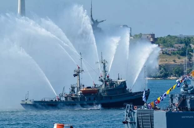 В Севастополе в День ВМФ из-за коронавируса отменили морское шоу