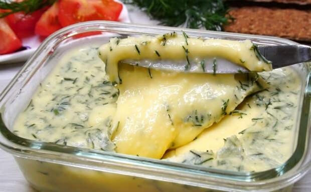 Нагретый творог превратился в сыр: 15 минут и намазка с зеленью готова