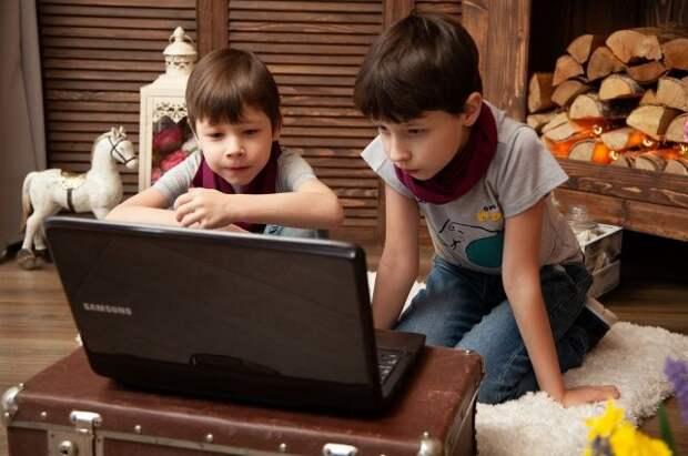 Родители назвали TikTok самой опасной соцсетью для детей