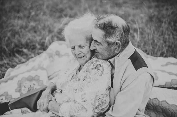 Фотосессия для бабушки и дедушки. Фото: Paige Franklin.