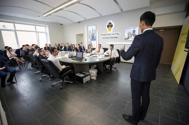 Более 1300 молодых специалистов «Роснефти» прошли на второй этап научно-технической конференции