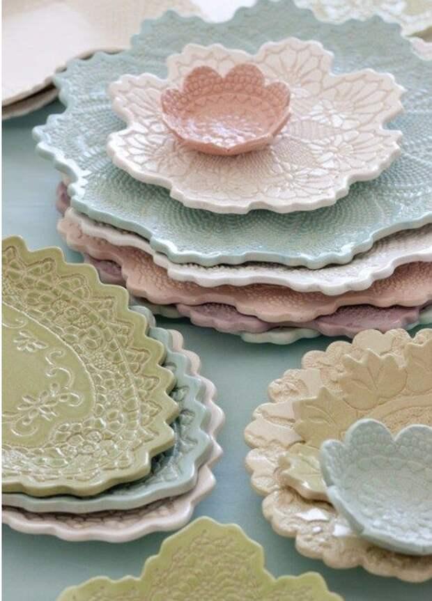 Создать своими руками эту чудесную глиняную посуду с кружевным рисунком очень и очень просто