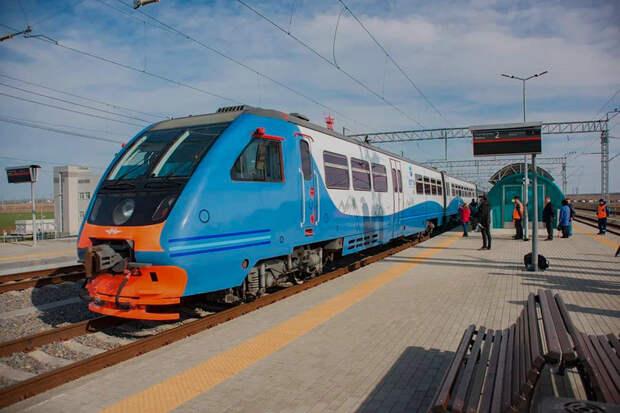 Пригородный поезд из Керчи в Анапу пройдет мимо блокпоста Аксенова