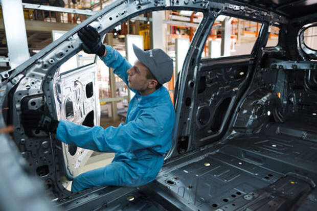 Geely открыла завод, который будет работать на Россию