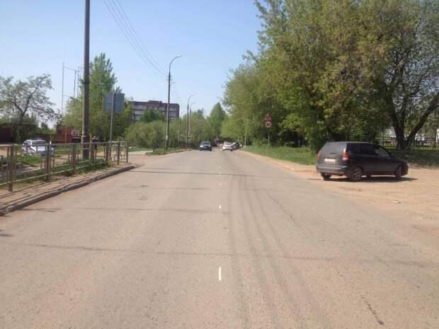 Перебегавшая дорогу школьница попала под колеса иномарки в Воткинске