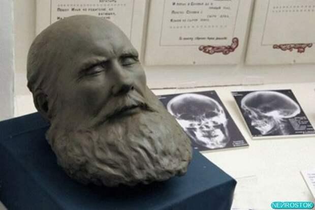 Облик Ильи восстановлен с помощью рентгенограммы черепа.
