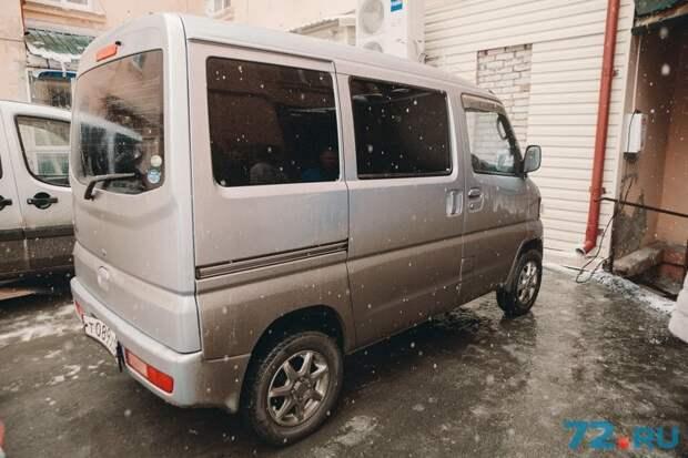 «Заправка до полного бака — всего 8 рублей»: история тюменца, который ездит на электромобиле