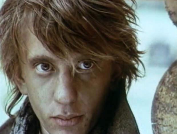 Кадр из фильма «На своей земле»
