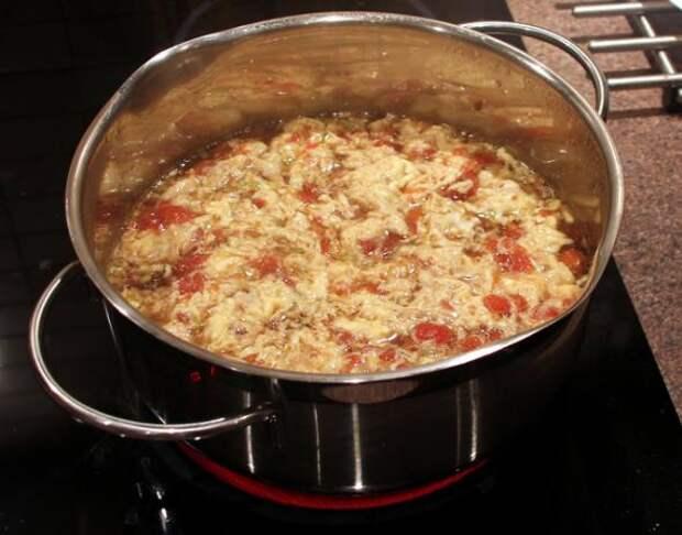 """""""Китайский"""" томатный суп с цветком"""