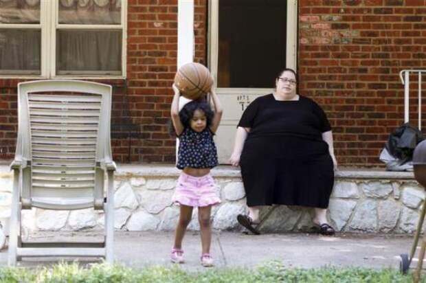 Истории женщин, которые получают деньги за то, что демонстрируют свои немалые размеры