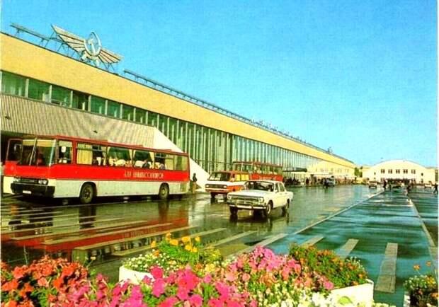 Еще одно масштабное строение советской эпохи, которое мы потеряли. /Фото: pastvu.com