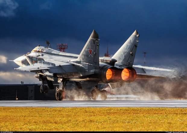 Немецкие СМИ поразились возможностям российских МиГ-31 и МиГ-41