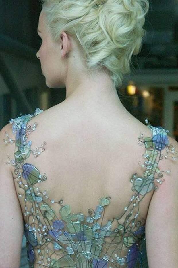 Стеклянные платья и корсеты Diana Dias-Leao