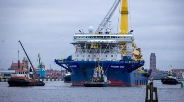 """Bloomberg: перед """"Северным потоком – 2"""" замаячили две новые угрозы"""