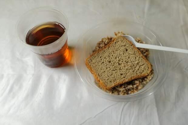 «Если родители узнают – они нас порвут!»: как и чем кормят детей в школах