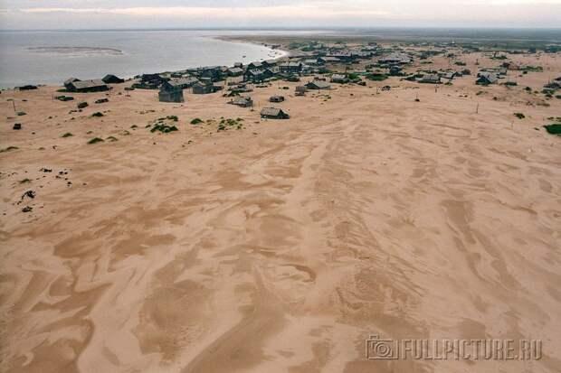 shoyna-sand-buried12