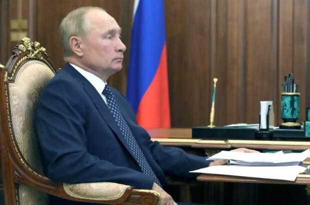 Путин продлил срок службы заместителя секретаря Совбеза РФ Попова