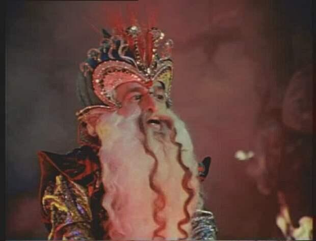 Маленький гигант большой любви. История жизни и любви самого известного карлика советского кино.