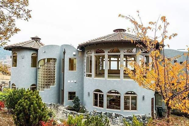 Из окон особняка открывается живописнейший вид на горы oregon, властелин колец, дизайн, дом, мир, толкин, фото