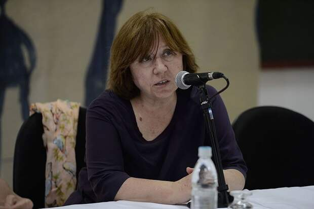 Алексиевич рассказала итальянцам о переодетых русских солдатах в Беларуси