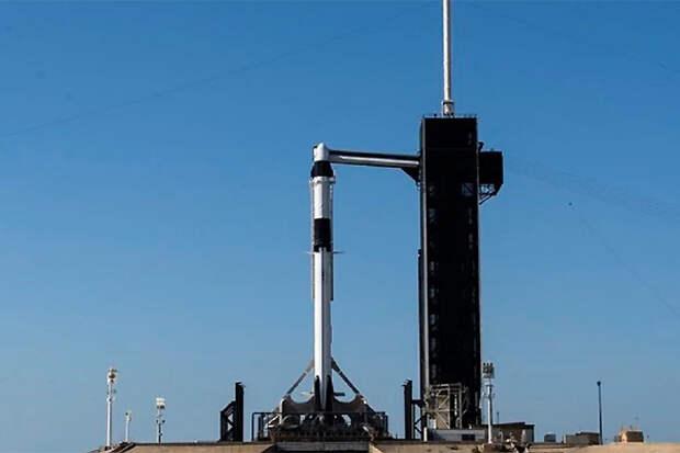 SpaceX начнет туристические полеты в космос в этом году