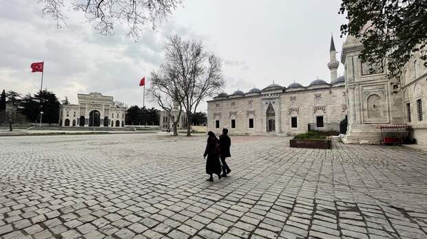 Опустевший город: Стамбул во время роста заболеваемостикоронавирусом