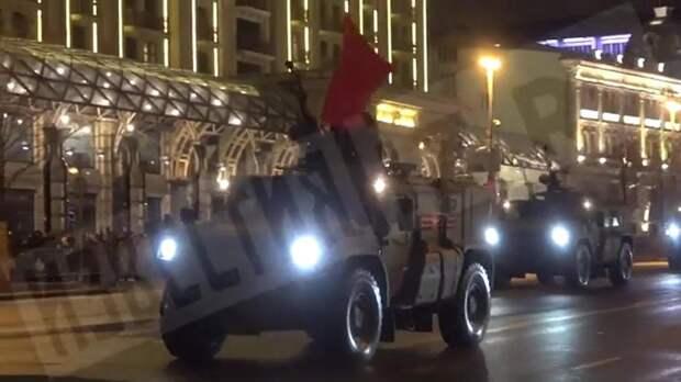 Ночная репетиция парада Победы началась в Москве
