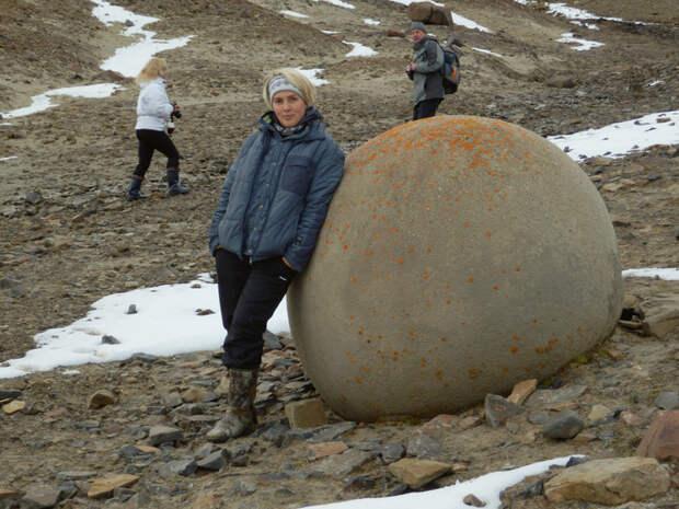 Каменные шары острова Чамп. Фото: forum.awd.ru