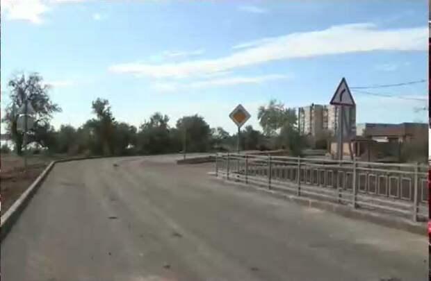 В Саках ремонтируют единственную дорогу к детсаду за 34 млн рублей