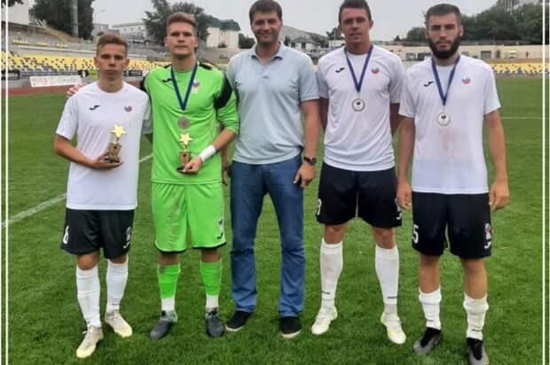 Футболисты из Строгина завоевали серебряные медали регионального турнира