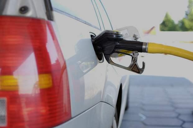 ФАС прокоммментировала информацию Путина о ценах на бензин