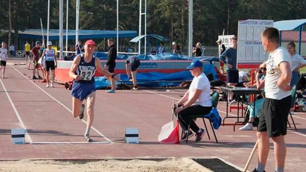 80-летний пенсионер из Челябинска стал рекордсменом по легкой атлетике