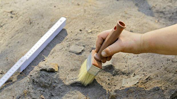 В Сибири нашли глиняную фигурку человека с тату на лице возрастом 5 тыс. лет