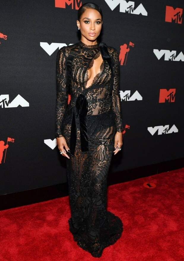 13/32 Ciara in Tom FordImage: Noam Galai/Getty Images for MTV/ViacomCBS