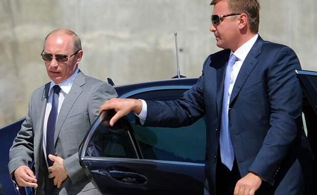 Американские эксперты: бунтов в России нет, элиты воюют между собой, а не за Кремль