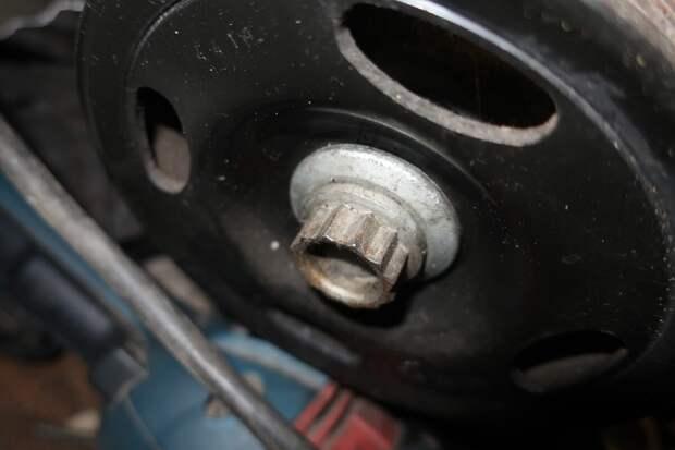 12-гранный болт на примере автомобиля Фольксваген
