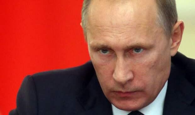 """Правительство нашло, что мешало выплате """"путинских денег"""" врачам"""